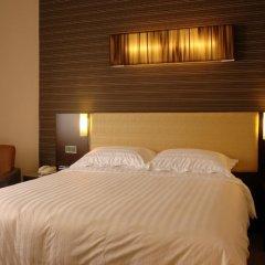 Отель Royal At Queens Сингапур комната для гостей фото 4