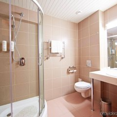 Гостиница Holiday Inn Chelyabinsk - Riverside ванная фото 2