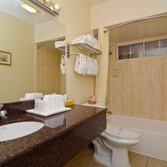Отель Rodeway Inn Convention Center США, Лос-Анджелес - отзывы, цены и фото номеров - забронировать отель Rodeway Inn Convention Center онлайн ванная