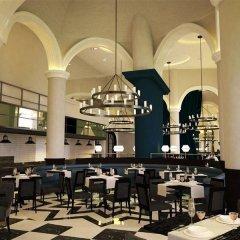 Dukes Dubai, a Royal Hideaway Hotel гостиничный бар