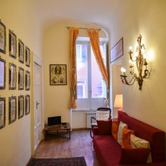 Апартаменты Stylish apartment in central Rome комната для гостей