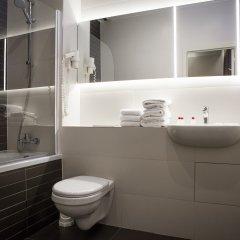 Отель Saint Nicolas Бельгия, Брюссель - 7 отзывов об отеле, цены и фото номеров - забронировать отель Saint Nicolas онлайн ванная
