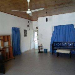 Negombo Blue Villa Hotel развлечения