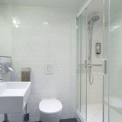 Азимут Отель Мурманск ванная