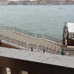 Отель Pensione Seguso Италия, Венеция - отзывы, цены и фото номеров - забронировать отель Pensione Seguso онлайн балкон