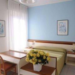 Отель Italie Et Suisse Стреза комната для гостей