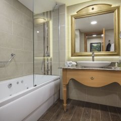 Отель Doubletree By Hilton Trabzon ванная
