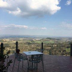 Отель Bel Soggiorno Италия, Сан-Джиминьяно - отзывы, цены и фото номеров - забронировать отель Bel Soggiorno онлайн балкон