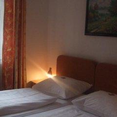 Отель Diana Германия, Дюссельдорф - отзывы, цены и фото номеров - забронировать отель Diana онлайн комната для гостей фото 4