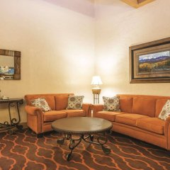 Отель Quality Inn and Suites Summit County комната для гостей