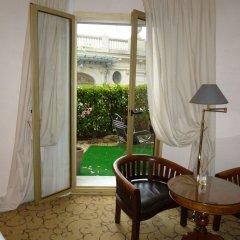Отель Hôtel Le Petit Palais Франция, Ницца - отзывы, цены и фото номеров - забронировать отель Hôtel Le Petit Palais онлайн комната для гостей фото 4