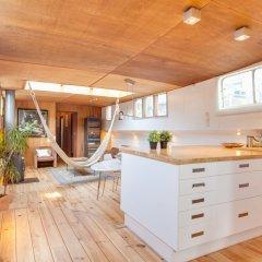 Апартаменты Houseboat Apartments - Canal Belt East Area спа