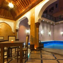 Отель Riad Marrakech House бассейн