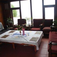 Отель Stupa Resort Nagarkot Непал, Нагаркот - отзывы, цены и фото номеров - забронировать отель Stupa Resort Nagarkot онлайн интерьер отеля