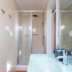 Отель Rato Cozy 3BR w/balcony - by LU Holidays Португалия, Лиссабон - отзывы, цены и фото номеров - забронировать отель Rato Cozy 3BR w/balcony - by LU Holidays онлайн ванная фото 2