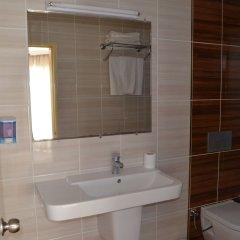 Kalif Hotel Турция, Айвалык - отзывы, цены и фото номеров - забронировать отель Kalif Hotel онлайн ванная фото 2