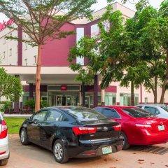 Отель Ibis Lagos Airport парковка