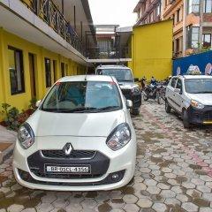 Отель Dine & Dream Непал, Катманду - отзывы, цены и фото номеров - забронировать отель Dine & Dream онлайн парковка