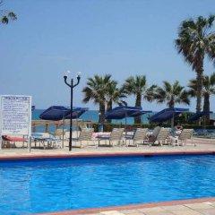 Отель Evalena Beach Hotel Кипр, Протарас - отзывы, цены и фото номеров - забронировать отель Evalena Beach Hotel онлайн бассейн фото 2