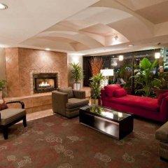 Отель Quality Hotel Downtown-Inn at False Creek Канада, Ванкувер - отзывы, цены и фото номеров - забронировать отель Quality Hotel Downtown-Inn at False Creek онлайн интерьер отеля фото 2