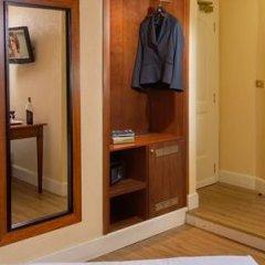 Best Western Hotel Astrid сейф в номере