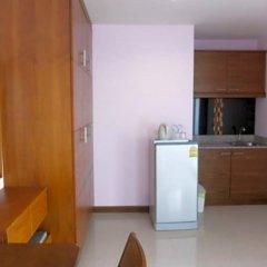 Апартаменты Kaewfathip Apartment Паттайя в номере фото 2