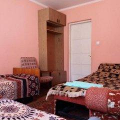 Гостиница Dom U Gornoy Reki в Теберде отзывы, цены и фото номеров - забронировать гостиницу Dom U Gornoy Reki онлайн Теберда комната для гостей