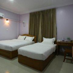 Отель Golden Dragon Hotel Мьянма, Пром - отзывы, цены и фото номеров - забронировать отель Golden Dragon Hotel онлайн комната для гостей фото 2