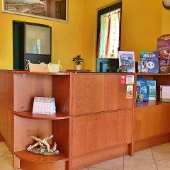 Отель Residence Bellavista Манерба-дель-Гарда интерьер отеля