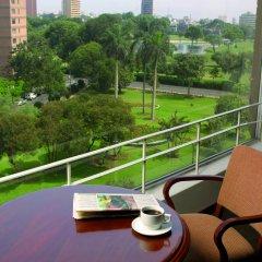 Отель BTH Hotel Lima Golf Перу, Лима - отзывы, цены и фото номеров - забронировать отель BTH Hotel Lima Golf онлайн балкон