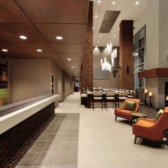 Отель Hilton Garden Inn Calgary Downtown интерьер отеля фото 2