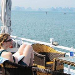 Отель Marguerite Cruises Вьетнам, Халонг - отзывы, цены и фото номеров - забронировать отель Marguerite Cruises онлайн гостиничный бар