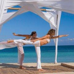 Отель Sandals Montego Bay - All Inclusive - Couples Only Ямайка, Монтего-Бей - отзывы, цены и фото номеров - забронировать отель Sandals Montego Bay - All Inclusive - Couples Only онлайн пляж фото 2