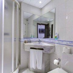 Отель Avenida de Fátima Португалия, Фатима - отзывы, цены и фото номеров - забронировать отель Avenida de Fátima онлайн ванная