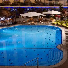 Radisson Blu Hotel Bucharest Бухарест бассейн
