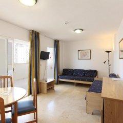 Отель Apartamentos Benimar Испания, Бенидорм - отзывы, цены и фото номеров - забронировать отель Apartamentos Benimar онлайн комната для гостей