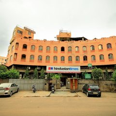Отель Jaipur Inn парковка