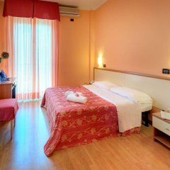 Hotel Mondial Порто Реканати комната для гостей