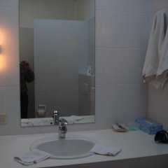 Отель Elckerlyck Inn Hotel Бельгия, Кортрейк - отзывы, цены и фото номеров - забронировать отель Elckerlyck Inn Hotel онлайн ванная фото 2