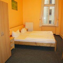Happy Go Lucky Hotel + Hostel Берлин комната для гостей фото 3