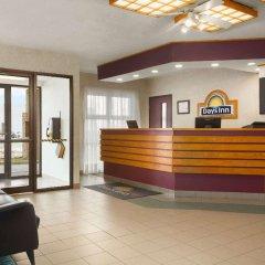Отель Days Inn by Wyndham Trois-Rivieres интерьер отеля