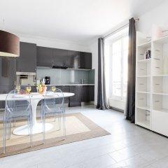 Апартаменты Eiffel Tower - Pont de l'Alma Apartment в номере