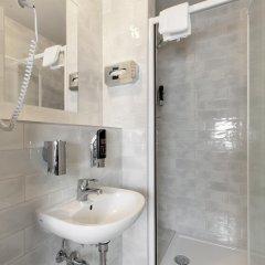 Отель a&o Frankfurt Ostend Германия, Франкфурт-на-Майне - отзывы, цены и фото номеров - забронировать отель a&o Frankfurt Ostend онлайн ванная фото 2