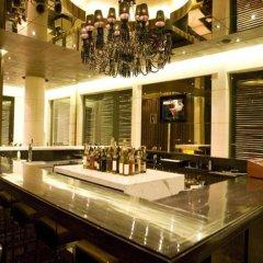 Отель The Grand New Delhi гостиничный бар