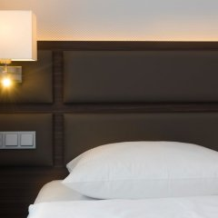 Отель Wyndham Köln сейф в номере