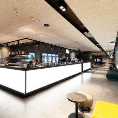 Отель a&o Frankfurt Ostend Германия, Франкфурт-на-Майне - отзывы, цены и фото номеров - забронировать отель a&o Frankfurt Ostend онлайн интерьер отеля фото 3