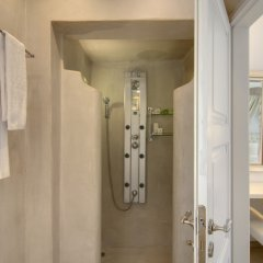 Отель Santorini Secret Suites & Spa ванная фото 4