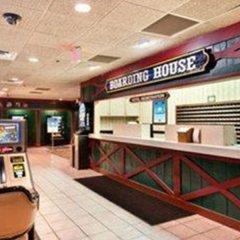 Отель Days Inn Las Vegas at Wild Wild West Gambling Hall интерьер отеля