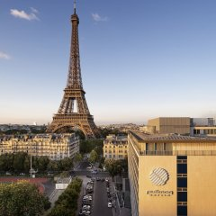 Отель Pullman Paris Tour Eiffel городской автобус