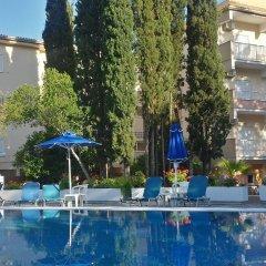 Ipsos Beach Hotel бассейн